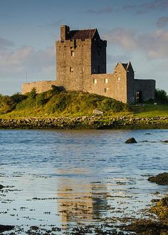 Dunguaire Castle, 16th-century tower house on the southeastern shore of Galway Bay in County Galway, Ireland.