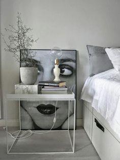 tendencias  marmol blanco tambien en la mesita de noche, en el dormitorio sofisticada elegante resistente