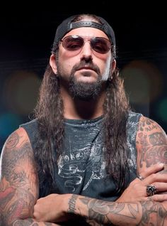 Mike Portnoy, one of the greatest drummers ever. Transatlantic and formerly Dream Theater