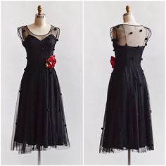 new arrival | vintage 1950s Amusement Follies dress | www.adoredvintage.com