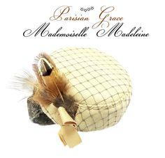 Bibis, Mademoiselle Madeleine pillbox Bibi est une création orginale de Parisian Grace sur DaWanda