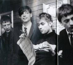 See Blur pictures, photo shoots, and listen online to the latest music. Blur Picture, Blur Photo, Blur Band, Charlie Brown Jr, Malcolm Young, John Frusciante, Damon Albarn, Def Not, Britpop