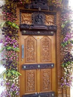 Chettinad House, Door Design, House Design, Cornice Design, Entry Doors, Entrance, Indian Home Interior, Wood Carving Designs, Woks