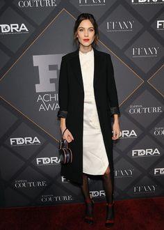 Alexa Chung à la cérémonie des FN Achievement Awards à New York http://www.vogue.fr/mode/inspirations/diaporama/les-meilleurs-looks-de-la-semaine-dcembre-2015/24078#alexa-chung-la-crmonie-des-fn-achievement-awards-new-york
