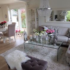 Ha en fin ettermiddag💕💗💕Her er et fantastisk herlig vær☀️🌾🌸🌾Have a great after dinner💕💗💕The weather here is wonderful ☀️🌾🌸🌾 Living Room Decor, Living Spaces, Home And Deco, Decoration Table, Dream Decor, Home Decor Inspiration, Decor Ideas, Apartment Living, Home And Living
