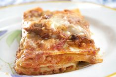 Il vincisgrassi è una preparazione della cucina marchigiana, una pasta al forno composta da sfoglie di pasta all'uovo condite con un sugo di carni miste.