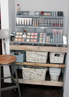 salon makeup stations | ... area salon waiting area salon waiting area products washing station