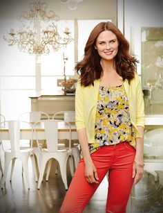 Emily Deschanel - Extraordinary Health Magazine Issue 25 and Natural Health Magazine June 2013 Same Photoshoot Summer Color Palettes, Zoey Deschanel, Good Looking Women, Hipster Fashion, Business Attire, Beautiful People, Beautiful Celebrities, How To Look Better, Street Wear