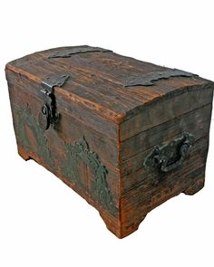 Vintage trunk, can knock this off the 'want' list thanks to my significant other