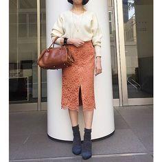 Feliz Lunesのフロントスリットレーススカートです。こちらの商品は、【集英社公式通販 BUY! BAILA】で購入できます。