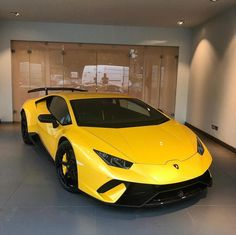 Lamborghini Huracan Performante painted in Giallo    Photo taken by: @gprhuracan on Instagram  Owned by: @gprhuracan on Instagram #luxurysportcars