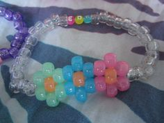 Flower single from etsy Pony Bead Patterns, Kandi Patterns, Beaded Jewelry Patterns, Beading Patterns, Kandi Cuff, Kandi Bracelets, Beaded Bracelets, Friendship Bracelets, Rainbow Choker