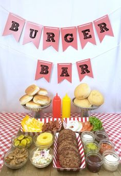 Ideas for putting together a burger bar including toppings your party guests will love. Great party idea and easy setup and clean up so you can enjoy the party! Burger Bar Party Idea - Burger Bar - Perfect for summer parties (AD) Burger Bar Party, Party Food Bars, Bbq Food Ideas Party, Bar Food, Party Ideas For Kids, Bbq Ideas, Bbq Party Decorations, Cheap Party Food, Diy Party Bar