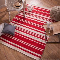 Laissez-vous séduire par ce tapis écru de la marque Amar.  En coton tissé main, ces couleurs actuelles et modernes donneront un style « maison de campagne » à votre intérieur. Disponible en différentes tailles, il se nettoie également très facilement.  #tapis #campagne #déco