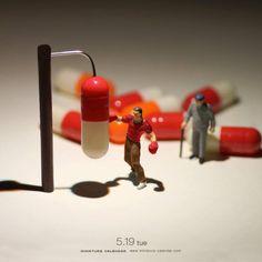 """Миниатюрный CalendarJapanese художник Танака Тацуя (показанный ранее) создает миниатюрные диорамы для ежедневного календаря с 2011 года его работа под названием """"миниатюрный календарь"""" изображает диорама стиле игрушечных людей с предметами домашнего обихода, в том числе пищевых продуктов и овощей.  Он обновляет свой календарный сайт ежедневно со свежим и игривым изображения, настоянный с его творческим воображением.  Наслаждайтесь некоторые из удивительной images.Art не только для знатоков…"""