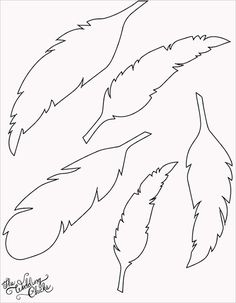 DIY Feather Bunting that is so easy to make, and includes a free printable feather template. Silhouette Cameo, Silhouette Portrait, Feather Template, Feather Stencil, Bird Template, Feather Pattern, Feather Cut, Feather Drawing, Crown Template