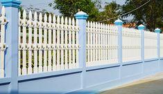 Trang trí hàng rào bằng cách sơn mới theo màu kiến trúc ngôi nhà