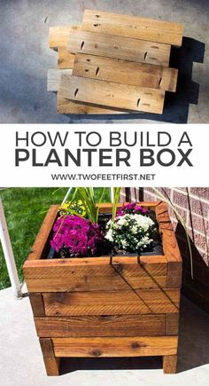 square planter box Want to find out how to build a planter box for the porch? Here are some FREE plans!Want to find out how to build a planter box for the porch? Here are some FREE plans! Backyard Projects, Outdoor Projects, Garden Projects, Diy Wood Planters, Diy Planter Box, Diy Planters Outdoor, Planters For Front Porch, Vegetable Planter Boxes, Deck Planter Boxes