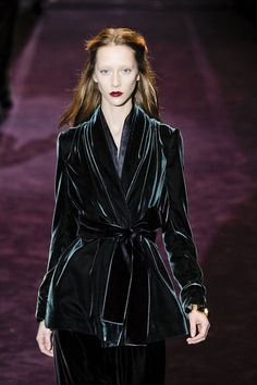 Gucci Fall 2012 My one college regret is giving my glorious blue velvet jacket back to the charity shops. I sooooo wish I'd kept it.