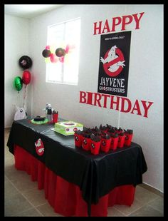 Ghostbusters Theme Birthday - Beautiful red, black and white party table setup. Ghostbusters Theme, Ghostbusters Birthday Party, Harry Birthday, Boy Birthday, Die Geisterjäger, 5th Birthday Party Ideas, Party Time, Ghost Busters, Red Black