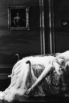Mae Clarke in Frankenstein 1931 Harlem Renaissance, Classic Horror Movies, Horror Films, Scary Movies, Old Movies, Golden Age Of Hollywood, Old Hollywood, Classic Hollywood, Forever Young