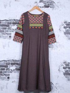 Shop Cotton grey festive wear kurti online from India. Latest Kurtis Online, Designer Kurtis Online, Pakistani Kurta, Anarkali, Simple Kurtis, Silk Kurti, Kurti Patterns, Indian Designer Wear, Girl Fashion