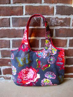 Side 1 NY bag by kelbysews, via Flickr (Kelly Bag from ithinksew) ;-)