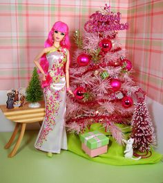2014 Rosalie's X'mas Barbie Skipper, Barbie And Ken, Barbie Dolls, Pink Barbie, Christmas Barbie, Christmas Tree, Xmas, Christmas Settings, Christmas Decorations