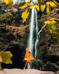 Malang is a city with a comfortable climate in the higher parts of East-Java. Malang is the stopover before Bromo. See the Things To Do in Malang. Adventure Bucket List, Adventure Travel, Beautiful Waterfalls, Beautiful Landscapes, The Last Station, Stuff To Do, Things To Do, Small Waterfall, Slums