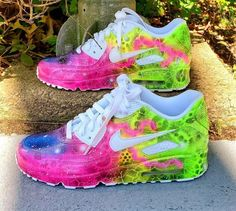 Neon Sneakers, Custom Sneakers, Custom Shoes, Sneakers Adidas, Sneakers Fashion, Air Max Sneakers, Nike Air Max 90s, Nike Air Force, Nike Company