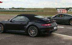 Porsche 911'in Ona Rakip Süper Arabalarla Yaptığı Süper Yarışlar