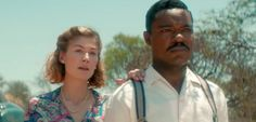 David Oyelowo & Rosamund Pike in UK Trailer for 'A United Kingdom' http://best-fotofilm.blogspot.com/2016/08/david-oyelowo-rosamund-pike-in-uk.html  «No man is free who is not master of himself.» Fox & Pathe have debuted the official UK trailer for a film called A United Kingdom, starring David Oyelowo and Rosamund Pike as a married couple. The film tells the true story of Seretse Khama, the king of Bechuanaland (modern Botswana), and Ruth Williams, the London office worker that he married…