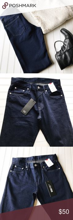 "NWT Uniqlo Jeans Blue Slim Fit  made in USA Uniqlo Jeans Japanese Brand Made In USA.  New with tags.  Slim fit.  Assuming 100% Cotton it is in Japanese   Waist 30"" Inseam 32"" Uniqlo Jeans Slim"