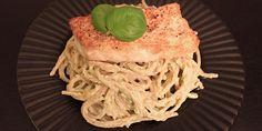 Virkelig lækker ret med pasta og torsk, der er vendt i en skøn kombination af avocado og ricotta, som giver en dejligt cremet og blød konsistens. Retten smager fantastisk, og er lynhurtig at tilberede.