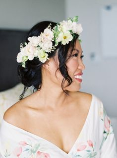 All of this cold weather has us dreaming of flowers and there's nothing more beautiful and refreshing than a bride wearing a flower crown. But if you think these accessories are just reserved for bohemian brides, you'll Hawaiian Flower Crown, Flower Crown Wedding, Bridal Crown, Flower Crowns, Flower Crown Hairstyle, Flower Headpiece, Headpiece Wedding, Veil Hairstyles, Wedding Hairstyles