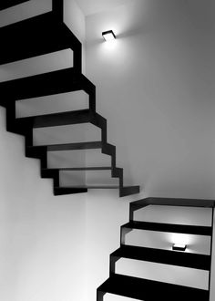 Stairs Architecture, Interior Architecture, Foyers, Stair Shelves, Staircase Remodel, Staircase Ideas, Black Stairs, Luxury Flooring, Modern Stairs