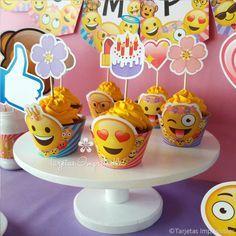 Emojis, emoticones o caritas divertidas, decoraciones de fiesta para imprimir con los diseños más originales y divertidos. Los archivos tienen textos editables para personalizarlos a tu gusto. Luego podrás imprimirlos las veces que necesites. Banderines, cajitas, tarjetas de invitación, carteles, candy bar y mucho más! En mi tienda online vas a ver todos los detalles y precios: http://tarjetasimprimibles.com/189-emojis #emojis #emoticones #emoticonos #emogis #caritasdivertidas #caritas…