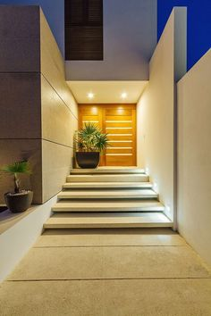 Casa JLM by Enrique Cabrera Arquitecto. The kind of entrance to a home I'd like. Modern Entrance, Entrance Design, Modern Door, House Entrance, Design Entrée, Deco Design, House Design, Design Ideas, Home Interior Design