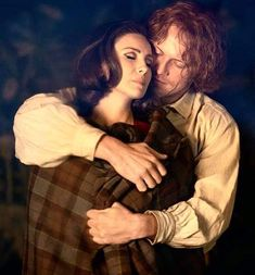 """Caitriona Balfe on Twitter: """"Best couple with BEST fans!!!! Thank you!!! X"""" / Twitter Serie Outlander, Outlander Quotes, Claire Fraser, Jamie And Claire, Highlands Warrior, The Fiery Cross, Pin Up Girl Vintage, Epic Story, Books"""