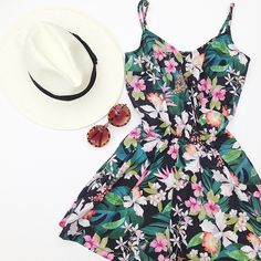 #Floral #Tropical #Jumpsuit #Hat #Sunglasses #TALLYWEiJL #Summer #Outfit #ootd