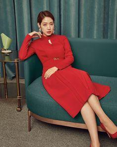 Korean Actresses, Korean Actors, Female Reference, Park Shin Hye, Kpop Fashion, Lee Min Ho, Korean Beauty, Sexy Outfits, High Neck Dress