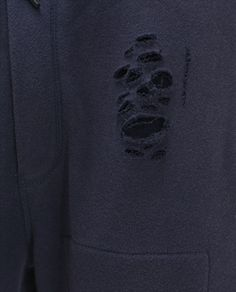 Imagen 7 de PANTALÓN CIRCULAR ROTOS de Zara Zara, Sweatshirts, Sweaters, Fashion, Pants, Men, Moda, Fashion Styles, Trainers