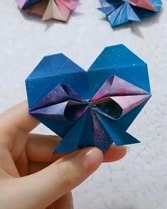 Diy Crafts For Girls, Diy Crafts Hacks, Diy And Crafts, Instruções Origami, Paper Crafts Origami, Cool Paper Crafts, Fun Crafts, Paper Flowers Diy, Diy Gifts