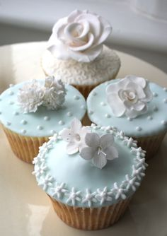 Beautiful Cake Pictures: Pretty Pale Blue Icing Cupcakes With Sugar Flowers - Cupcake, Flower Cupcakes - Flowers Cupcakes, Fancy Cupcakes, Pretty Cupcakes, Beautiful Cupcakes, Yummy Cupcakes, Wedding Cupcakes, White Cupcakes, Shabby Chic Cupcakes, Decorate Cupcakes