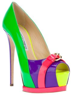platform stiletto pump