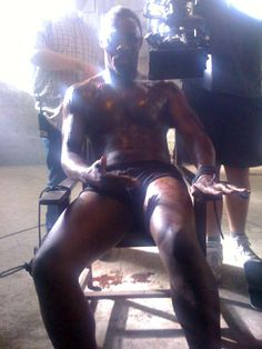 Idris Elba Body without Cloth - Bing images Tall Dark Handsome, Handsome Black Men, Black Man, Gorgeous Eyes, Black Is Beautiful, Idris Elba Body, Magazine Pictures, Black Actors, British Men