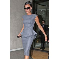 Victoria Beckham in grey peplum dress, 2009 Viktoria Beckham, Business Outfits, Office Outfits, Office Fashion, Work Fashion, Mode Victoria Beckham, Elegant Outfit, Business Women, Ideias Fashion