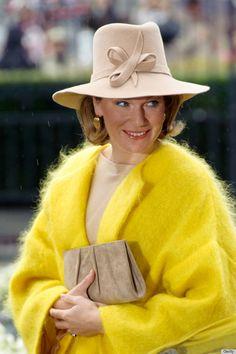 Queen Mathilde - No oops... it's a great color!