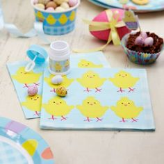 These 3 ply chick paper napkins are perfect for Easter celebrations! Pack of 20 napkins #Easter