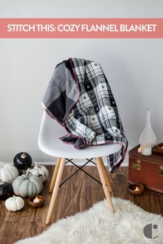 DIY flannel throw to cozy up in this autumn. The weather's changing, and it's time to get comfy! Makes a great gift (Christmas is right around the corner!).